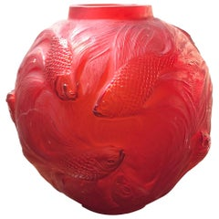 1924 Rene Lalique Formose Vase in Double Cased Red Tomato Glass, Fishes Design