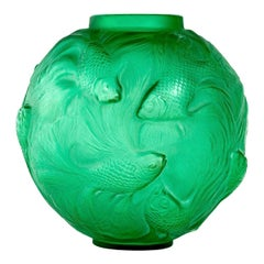 1924 René Lalique Formose Vase in Emerald Green Glass