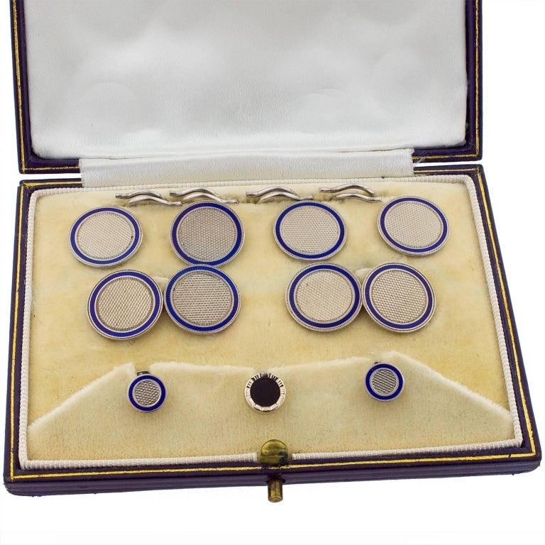 1925 English 18 Karat White Gold and Enamel Button Set Cufflinks For Sale 1