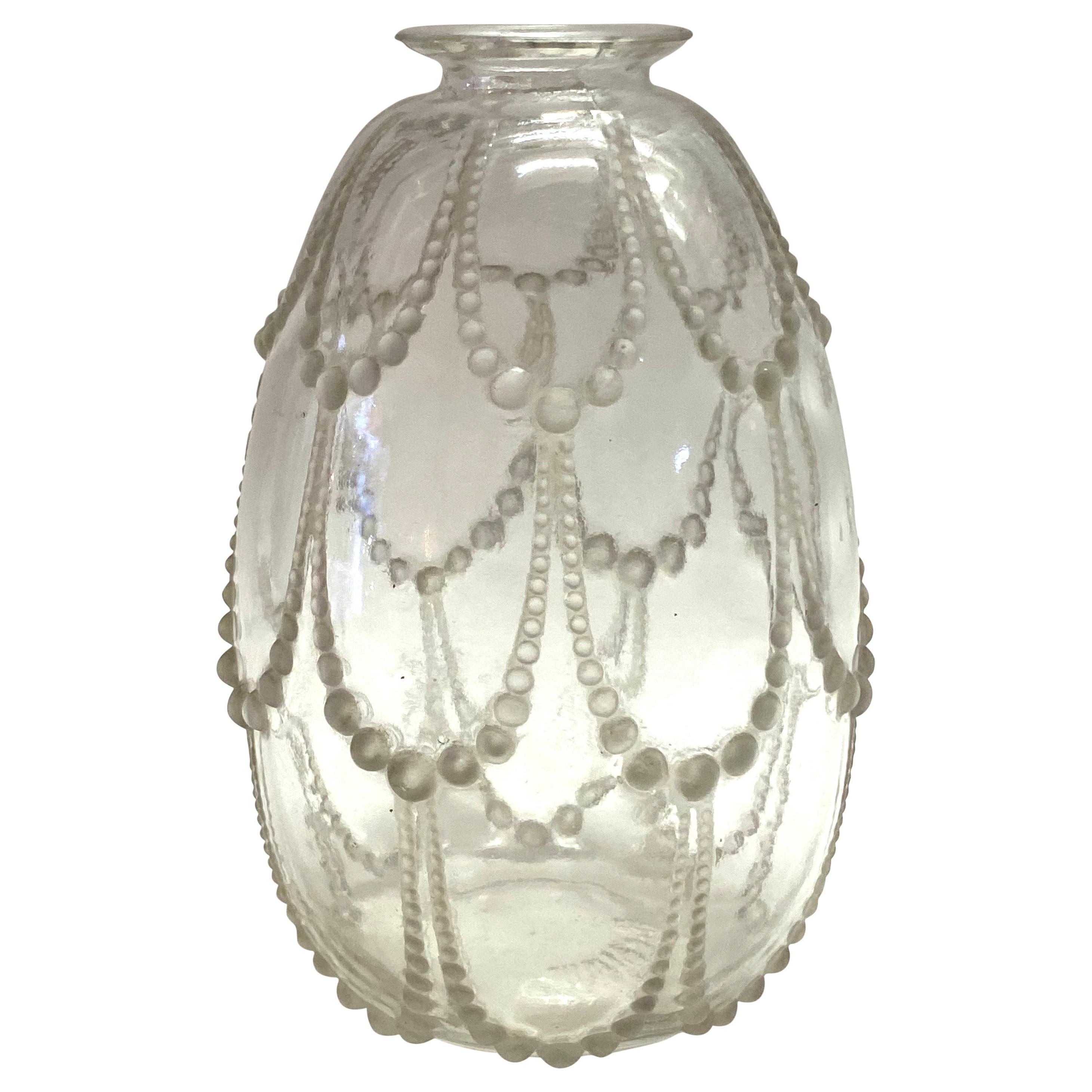 1925 René Lalique Perles Vase in Clear and Frosted Glass, Pearls