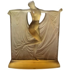 1925 René Lalique Suzanne Statuette Yellow Glass, Woman Statue