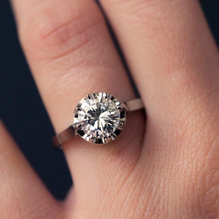 Women's 1925s Art Deco 1.50 Carat E.VS Diamond 18 Karat Platinum Solitary Ring For Sale