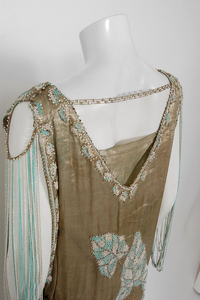 Vintage 1927 French Couture Metallic Gold Lamé Beaded Leaf-Motif Trained Dress For Sale 7