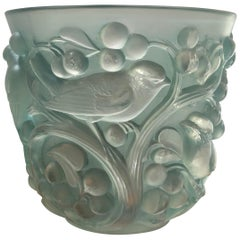 1927 René Lalique Avallon Vase in Frosted and Green Stained Glass - Sparrow Bird