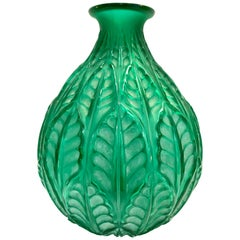 1927 René Lalique Malesherbes Vase in Emerald Green Glass Leaves