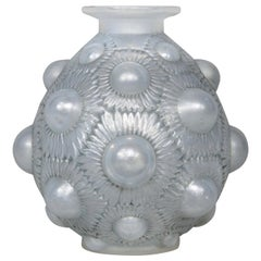 1927 René Lalique Tournesols Vase in Opalescent Glass Grey Patina