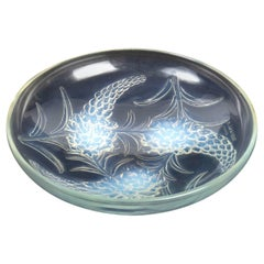 1928 René Lalique Véronique Bowl Opalescent Glass, Flowers