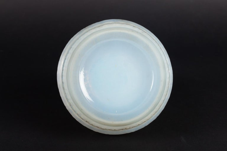 1929 René Lalique Ferrieres Vase in Cased Opalescent Glass with Grey Patina 3