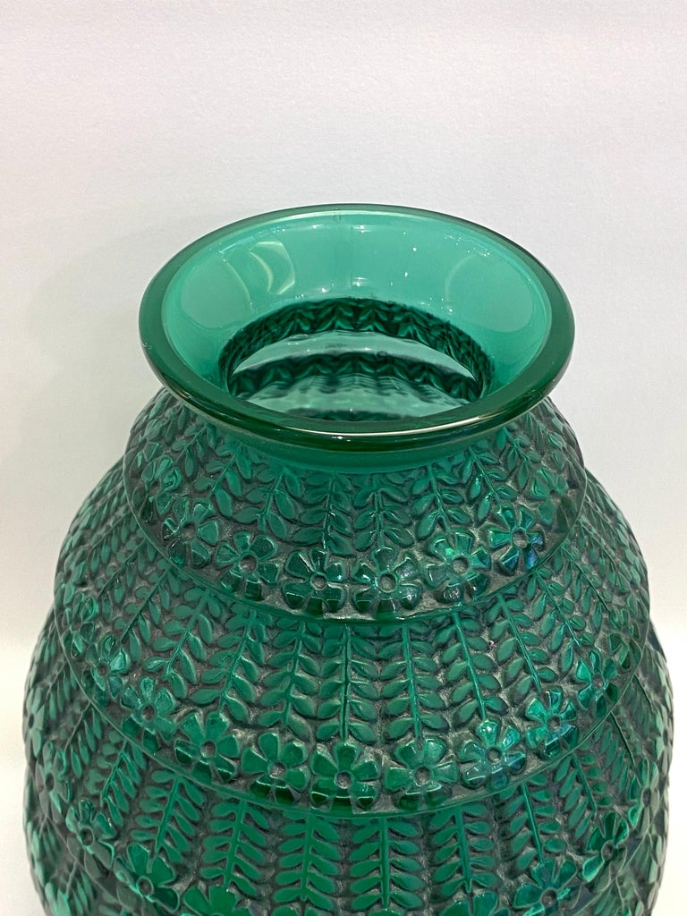 Art Deco 1929 René Lalique Ferrieres Vase in Emerald Green Glass with Black Patina