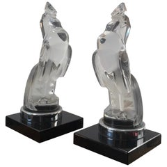 1929 Rene Lalique Pair of Coq Houdan Bookends on Black Glass Bases, Roosters