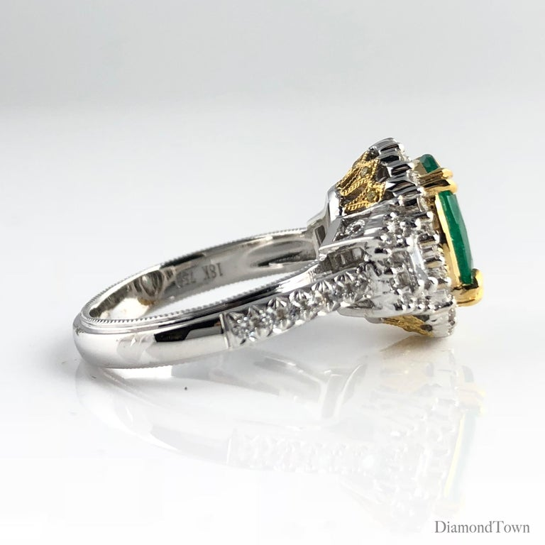 1.93 Carat Oval Cut Emerald and Diamond Ring In New Condition For Sale In New York, NY