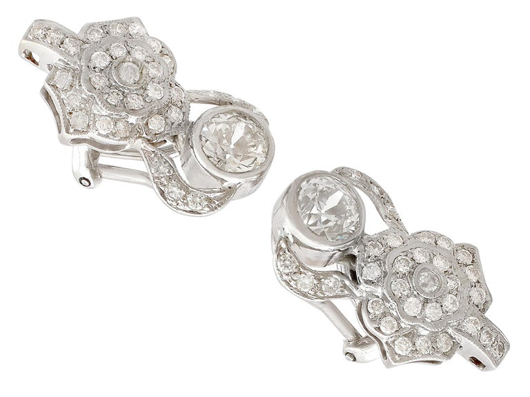 Art Deco 1930 Antique 3.03 Carat Diamond and White Gold Earrings For Sale