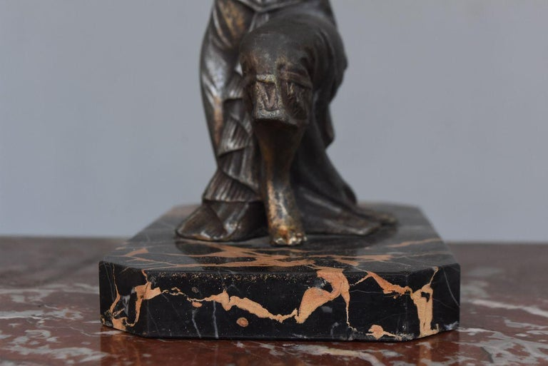 1930 Art Deco Pendulum Spelter And Portor Marble For Sale 5