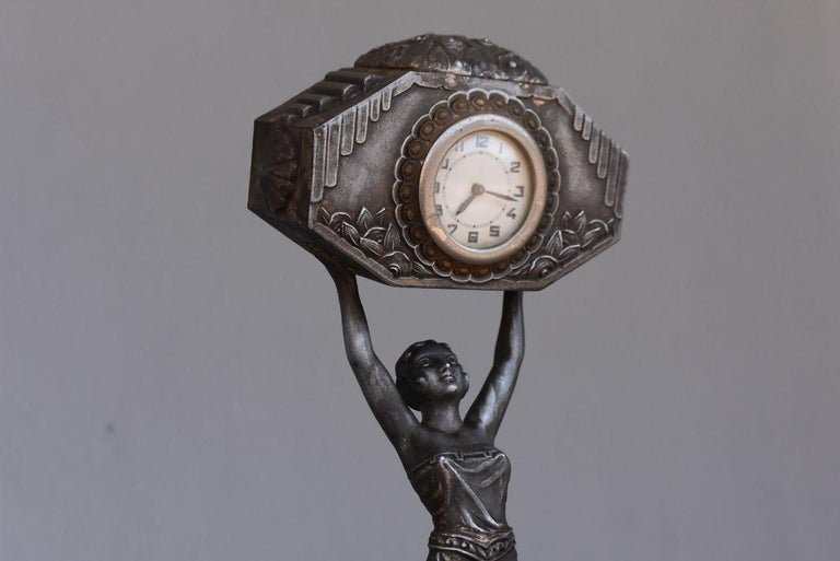 1930 Art Deco Pendulum Spelter And Portor Marble In Fair Condition For Sale In Marseille, FR