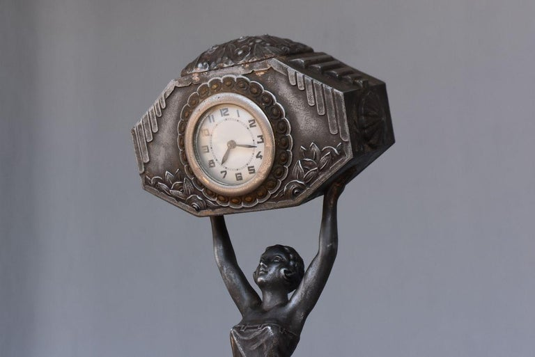 1930 Art Deco Pendulum Spelter And Portor Marble For Sale 1