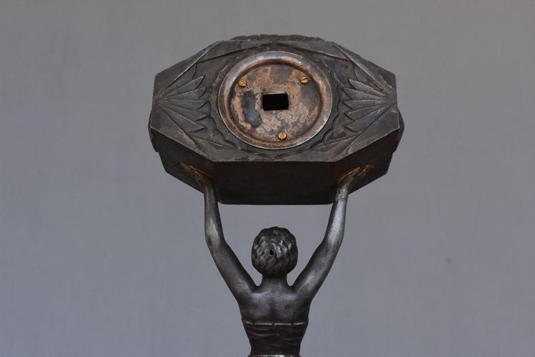 1930 Art Deco Pendulum Spelter And Portor Marble For Sale 3