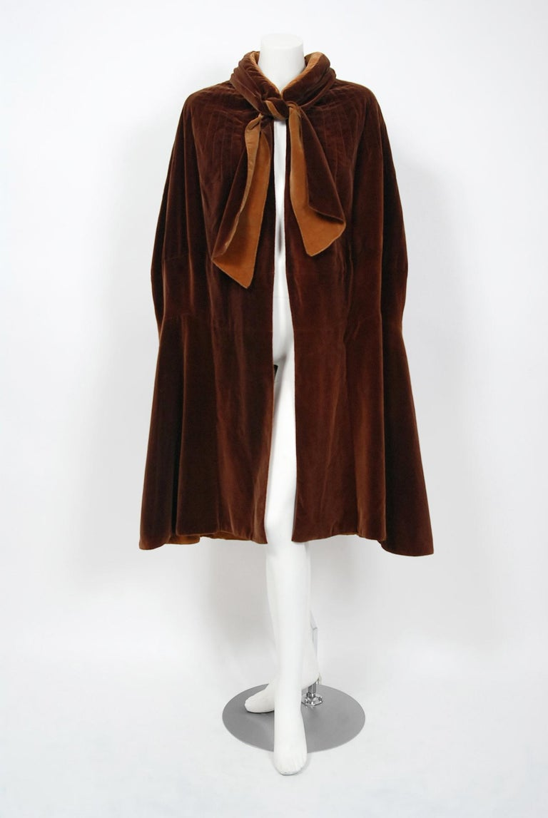 Vintage 1930 Chanel Haute Couture Caramel Brown Velvet Scarf-Neck Sculpted Cape  In Good Condition For Sale In Beverly Hills, CA