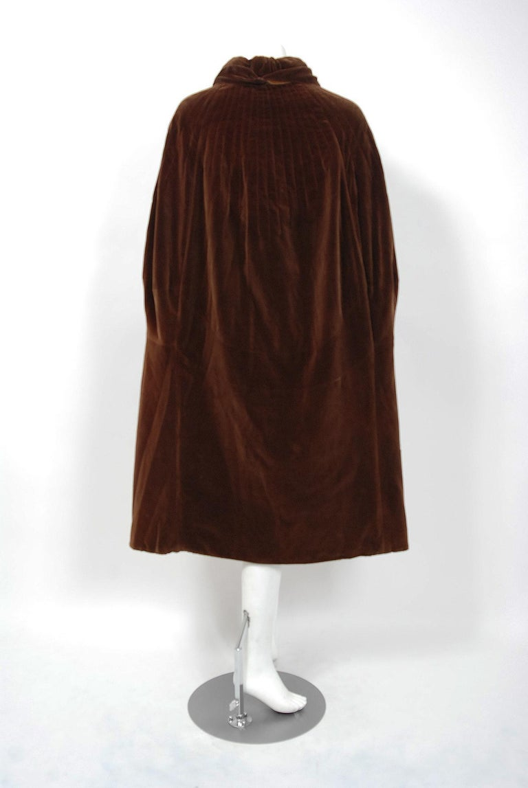 Vintage 1930 Chanel Haute Couture Caramel Brown Velvet Scarf-Neck Sculpted Cape  For Sale 4