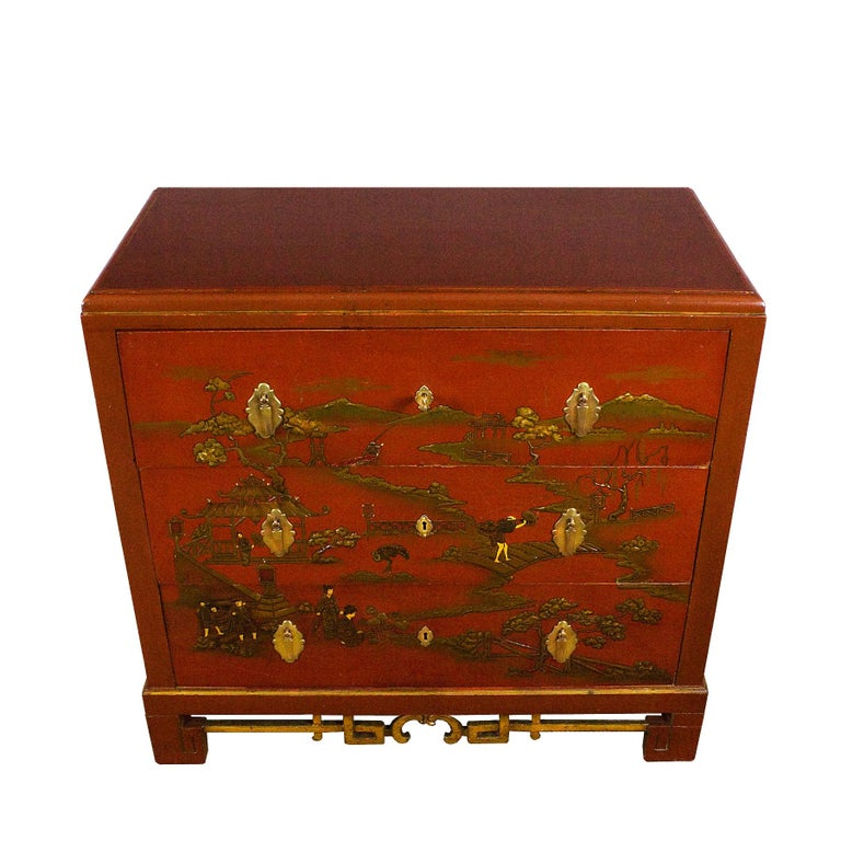 Japonisme 1930s Japanese Inspired Chest of Drawers Secrétaire, Red Lacquered, France For Sale