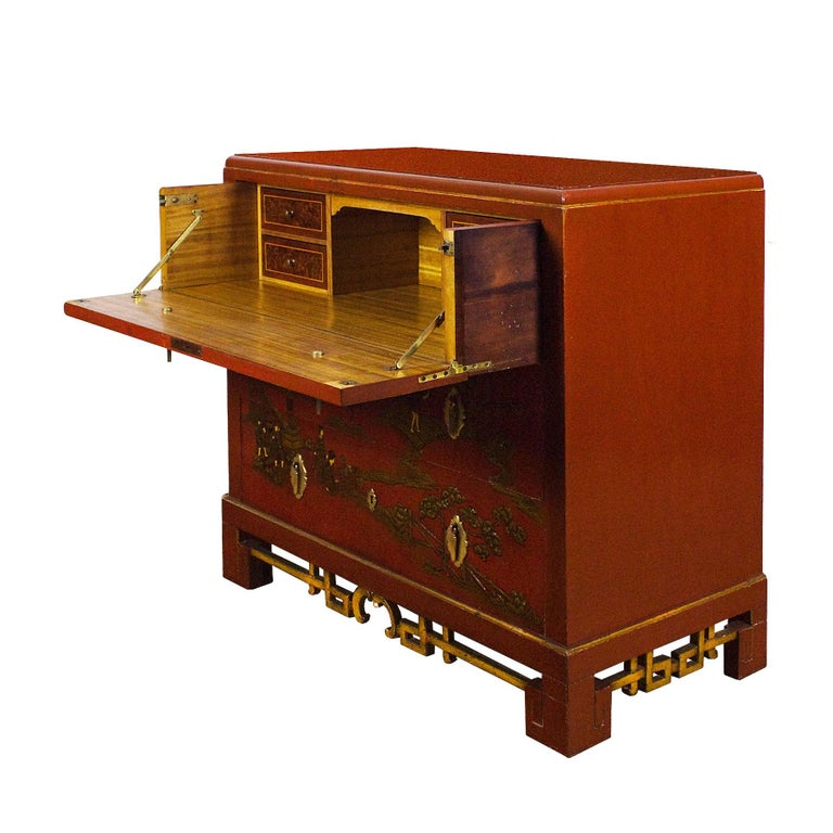 1930s Japanese Inspired Chest of Drawers Secrétaire, Red Lacquered, France In Good Condition For Sale In Barcelona, ES