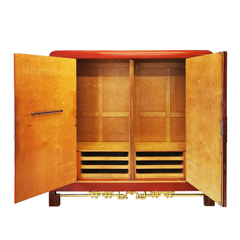 1930s Large Wardrobe, Red Lacquered, Chinoiserie Relief Stucco, Maple, France For Sale 1