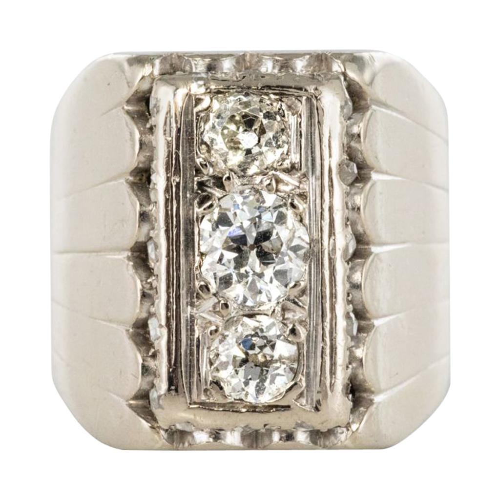 1930s Art Deco 0.90 Carat Diamonds 18 Karat White Gold Signet Ring