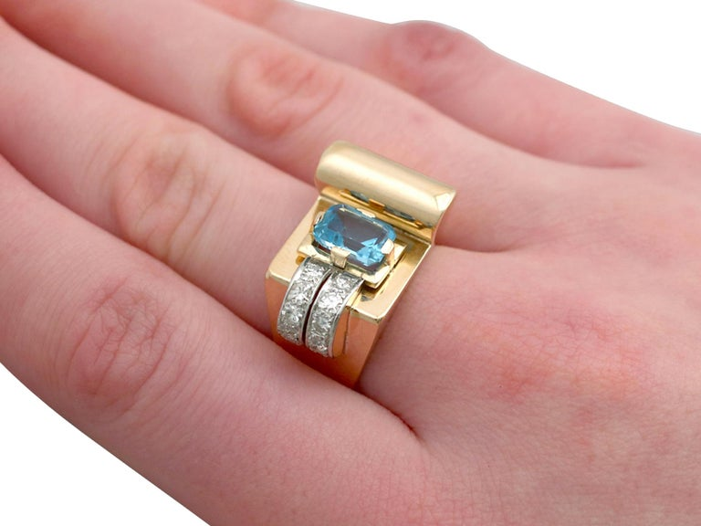 1930s 1.45 Carat Aquamarine Diamond Gold Cocktail Ring For Sale 3