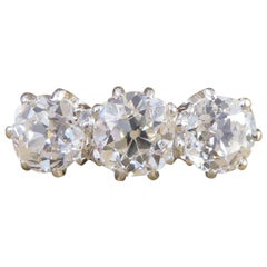 1930s 1.48 Carat Diamond Three-Stone Ring Set in 18 Carat Gold and Platinum