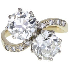 1930s 18 Carat Gold Cushion Cut Diamond Two Stone Toi et Moi Ring