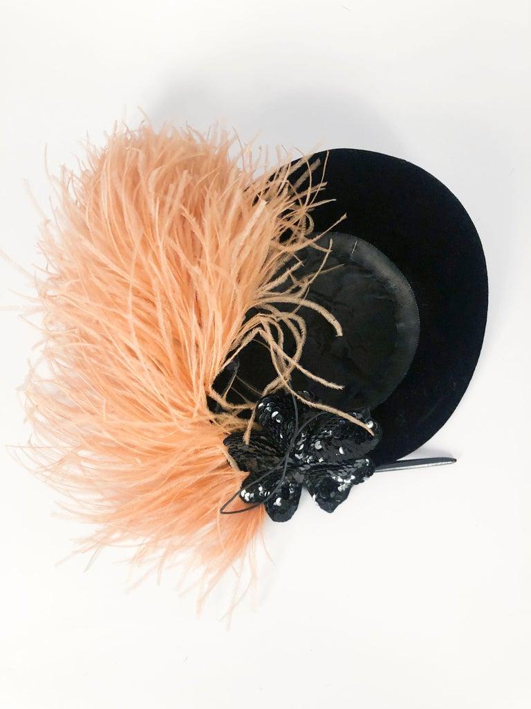 1930s/1940s Black Velvet Fashion Hat For Sale 2