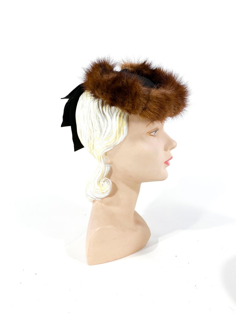 Gray 1930s/1940s Brown Mink and Ribbon Perch Hat For Sale