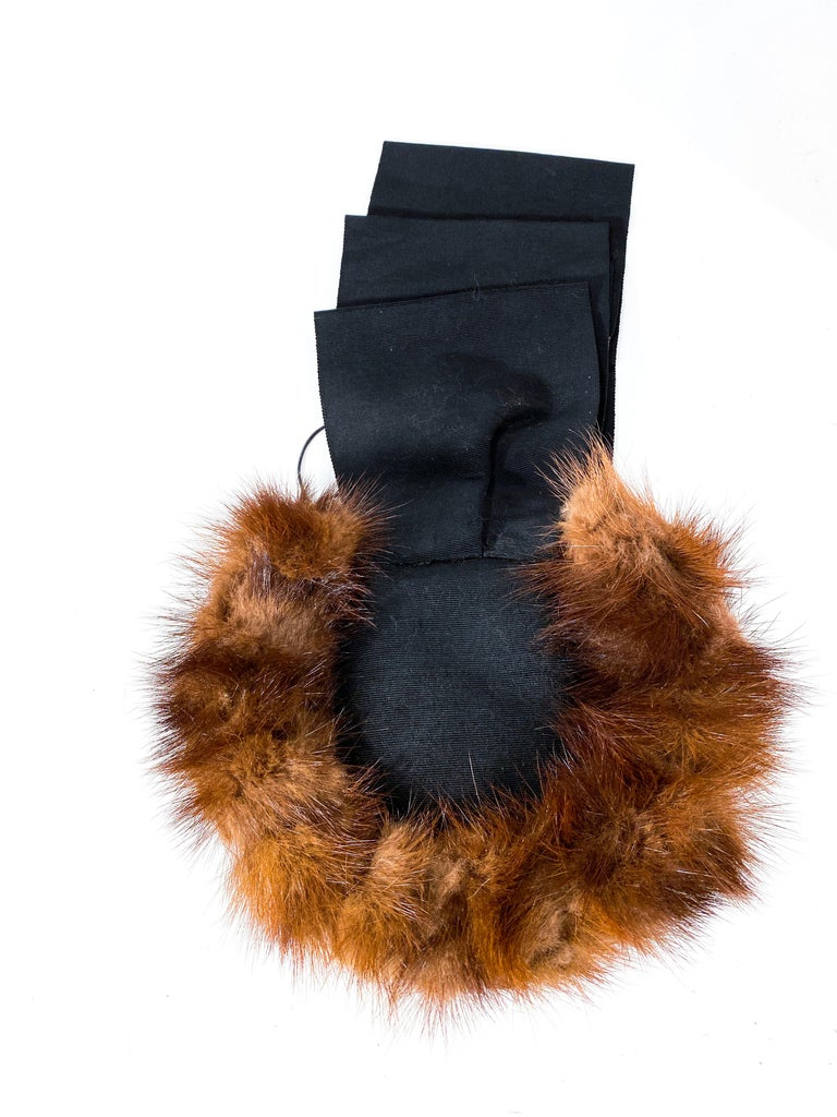 Women's 1930s/1940s Brown Mink and Ribbon Perch Hat For Sale