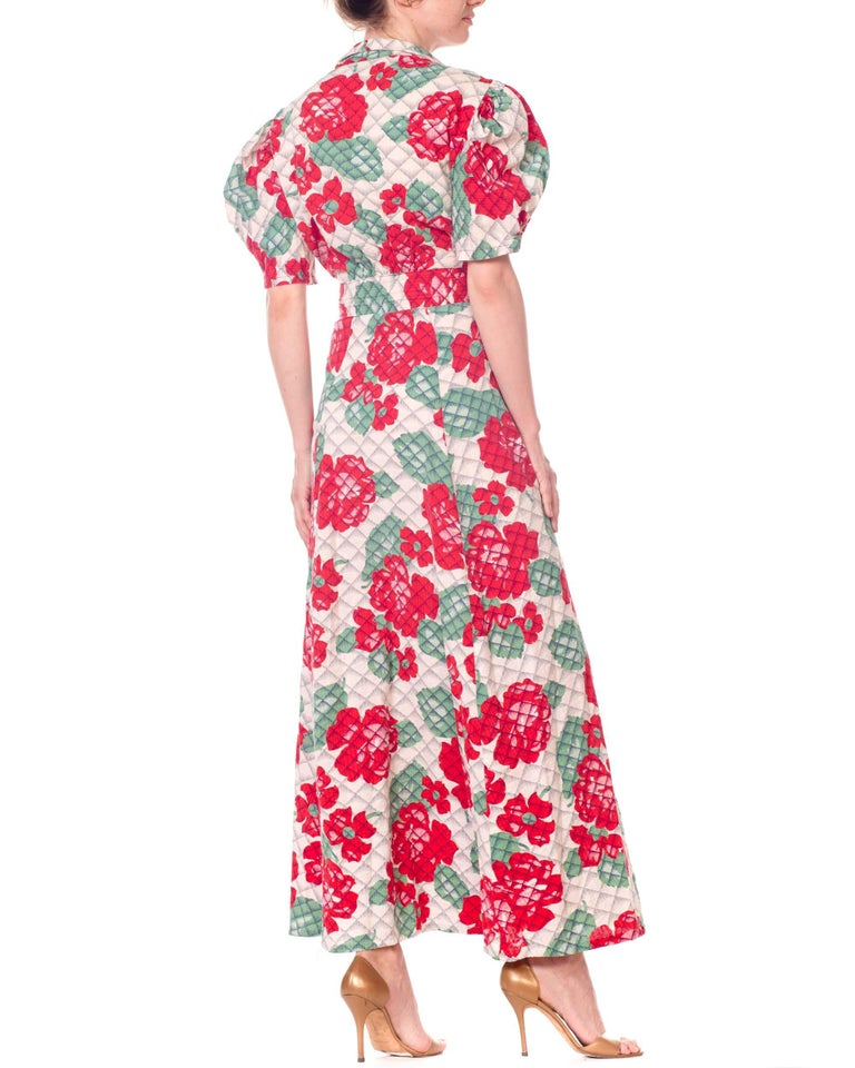 1930s 1940s Cotton Floral Quilted Wrap Dress For Sale 7