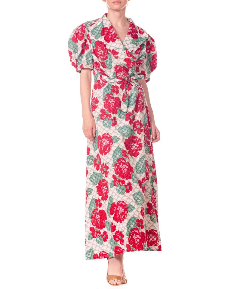 1930s 1940s Cotton Floral Quilted Wrap Dress For Sale 2