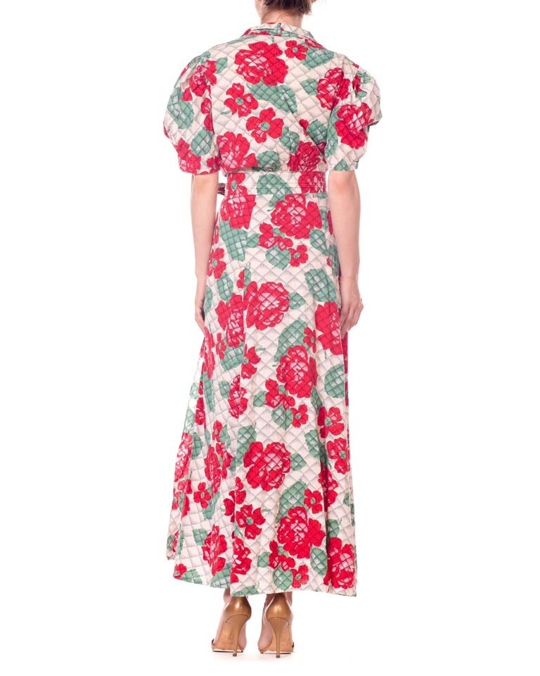 1930s 1940s Cotton Floral Quilted Wrap Dress For Sale 3