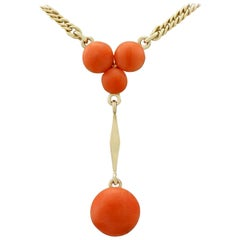 1930s 2.72 Carat Coral and 14 Karat Yellow Gold Necklace