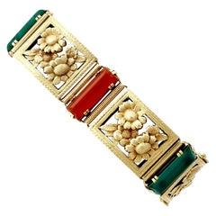 1930s Antique 12.80 Carat Agate and 4.23 Carat Malachite Yellow Gold Bracelet