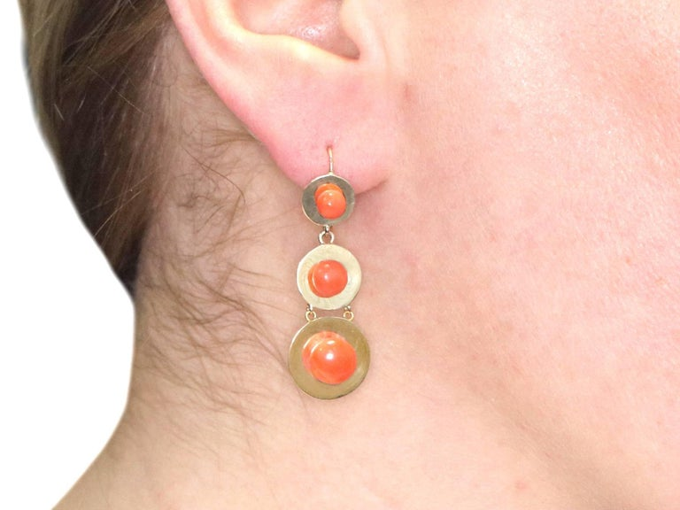 1930s Antique French Red Coral and Yellow Gold Jewelry Set For Sale 5