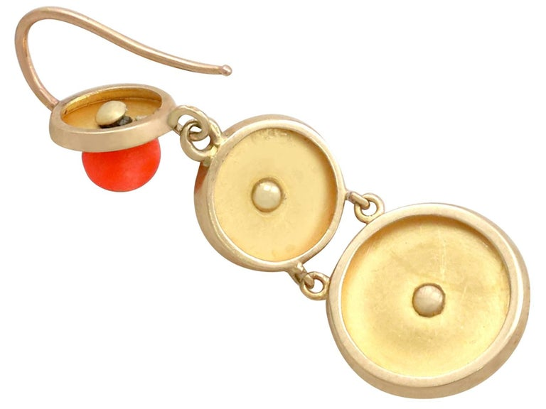 1930s Antique French Red Coral and Yellow Gold Jewelry Set For Sale 3