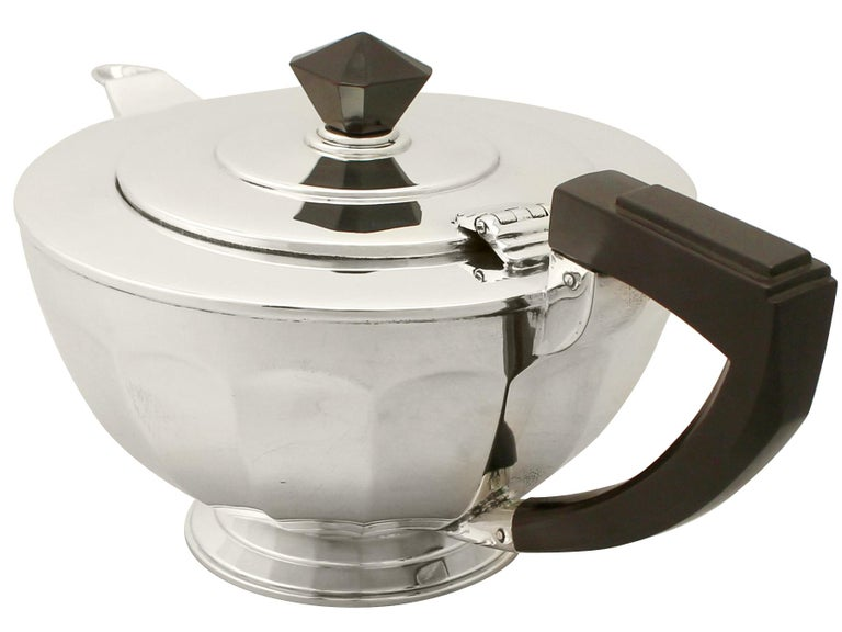 Mid-20th Century Art Deco Antique Sterling Silver Teapot For Sale