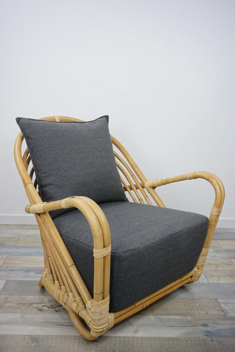Vintage look and resolutely contemporary, this lounge armchair