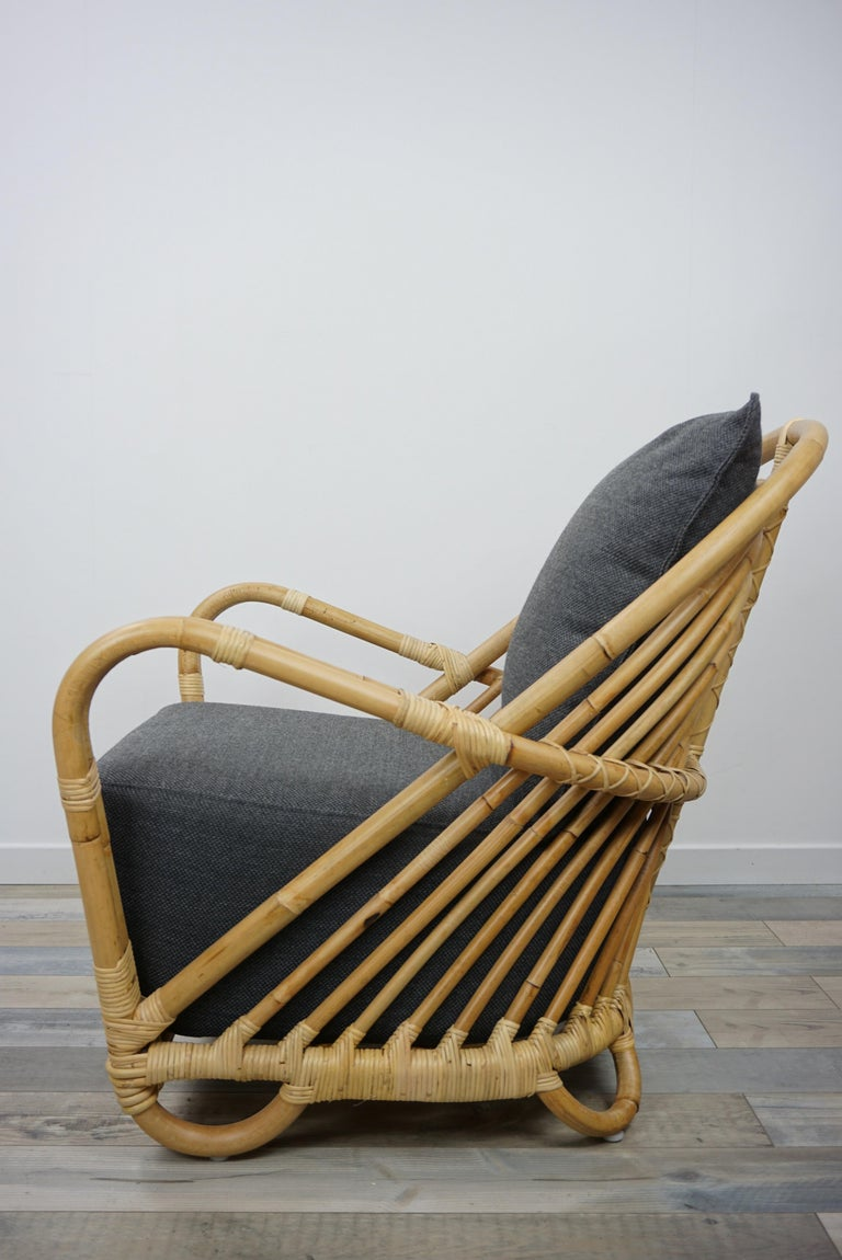 Fabric 1930s Arne Jacobsen Design Rattan Lounge Armchair For Sale