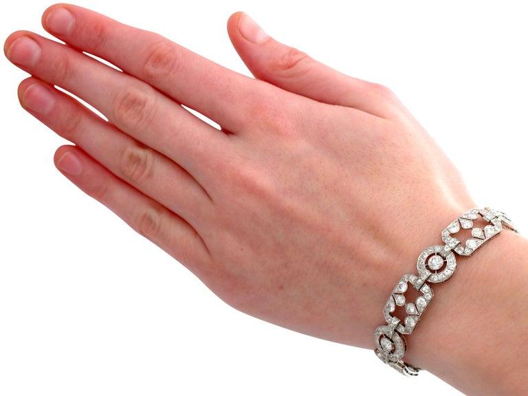 1930s Art Deco 12.29 Carat Diamond and Platinum Bracelet For Sale 4