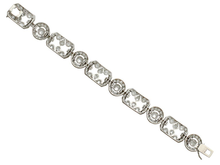 1930s Art Deco 12.29 Carat Diamond and Platinum Bracelet In Excellent Condition For Sale In Jesmond, Newcastle Upon Tyne