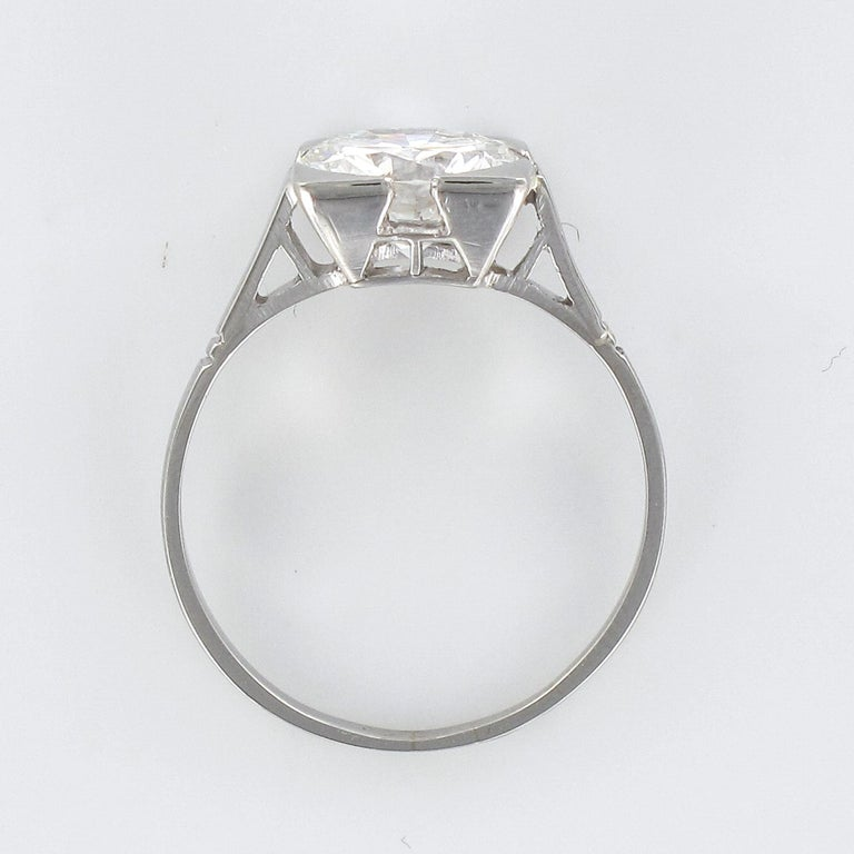 1930s Art Deco 1.78 Carat Diamond 18 Karat Platinum Solitary Ring For Sale 10