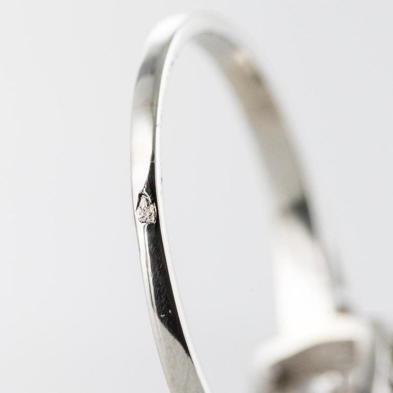 1930s Art Deco 1.78 Carat Diamond 18 Karat Platinum Solitary Ring For Sale 11
