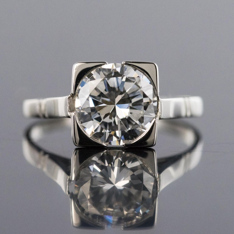 1930s Art Deco 1.78 Carat Diamond 18 Karat Platinum Solitary Ring In Excellent Condition For Sale In Poitiers, FR