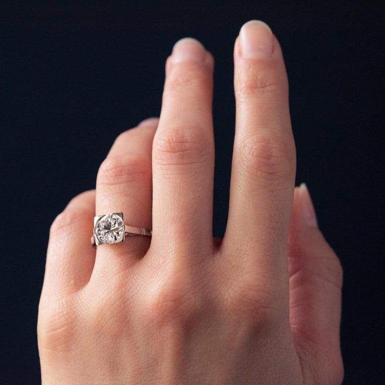 1930s Art Deco 1.78 Carat Diamond 18 Karat Platinum Solitary Ring For Sale 5