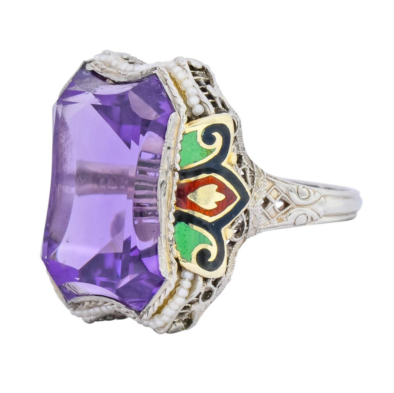 1930s Art Deco Amethyst Enamel Pearl 14 Karat Two-Tone Gold Cocktail Ring For Sale 2