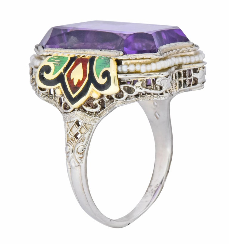 1930s Art Deco Amethyst Enamel Pearl 14 Karat Two-Tone Gold Cocktail Ring For Sale 4